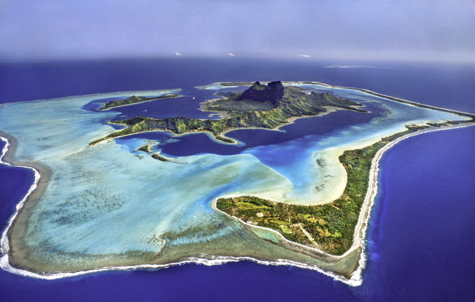 Barrier reef around Mt O'Temanu, Bora Bora,Tahiti